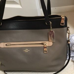Coach Bags - NWT coach leather handbag